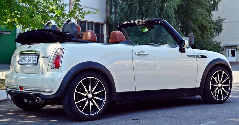 mini cooper rent a car