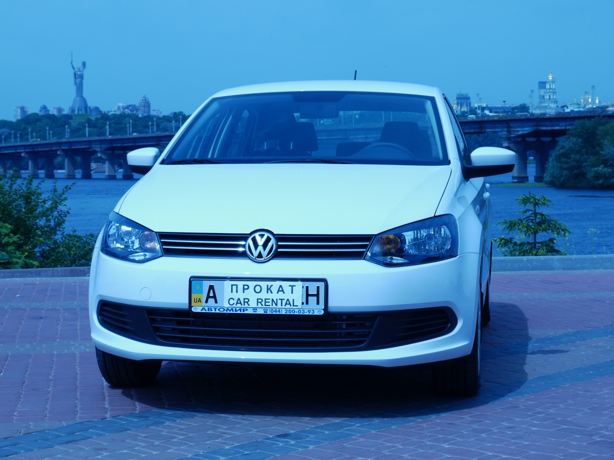 Volkswagen Polo rent a car